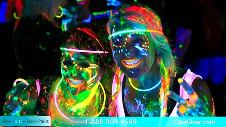 Glominex Blacklight UV Reactive Paint 8 Oz Jar